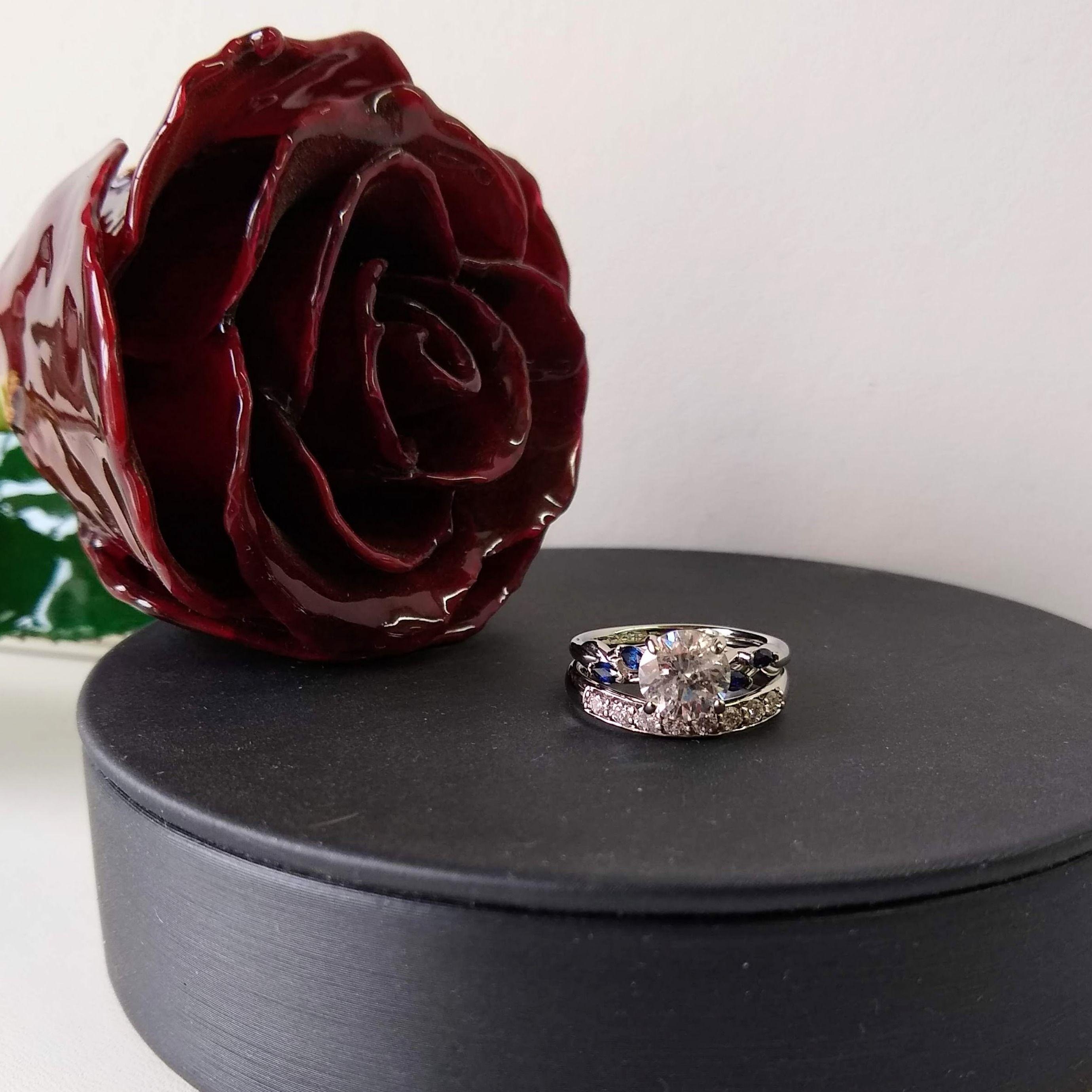 customer design (eng)1.54ct center diamond with sapphires