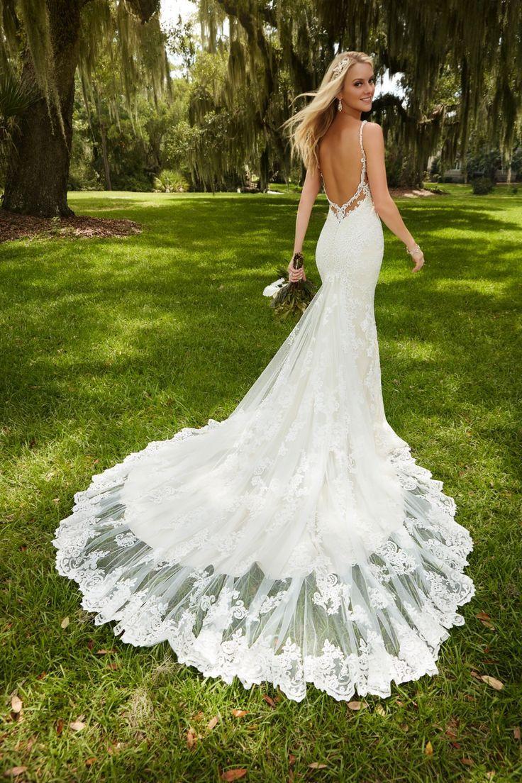 Back of wedding dress  Beautiful back wedding dress What do you think u u u gown
