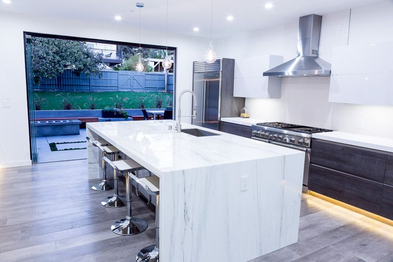 Beautiful black and white kitchen the chef 39 s dream for High end appliances for sale