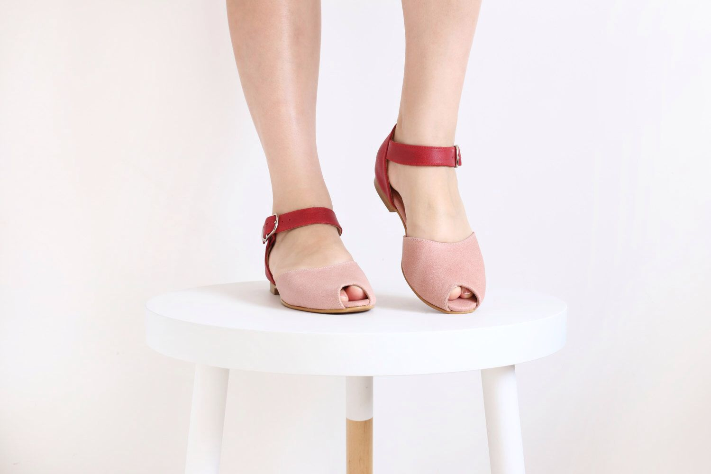 Dernière paire 40 % cuir sandales rose Peep toe à la main chaussures femme plate ADIKILAV par ADIKILAV sur Etsy https://www.etsy.com/fr/listing/225324828/derniere-paire-40-cuir-sandales-rose