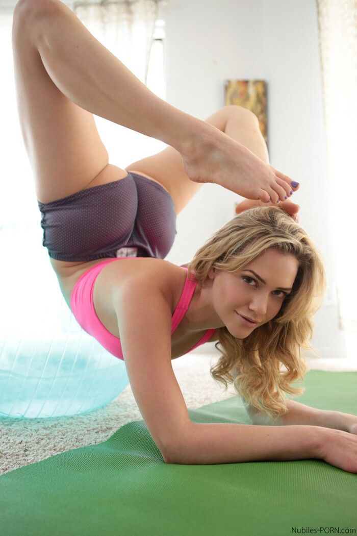 mia malkova girl on girl