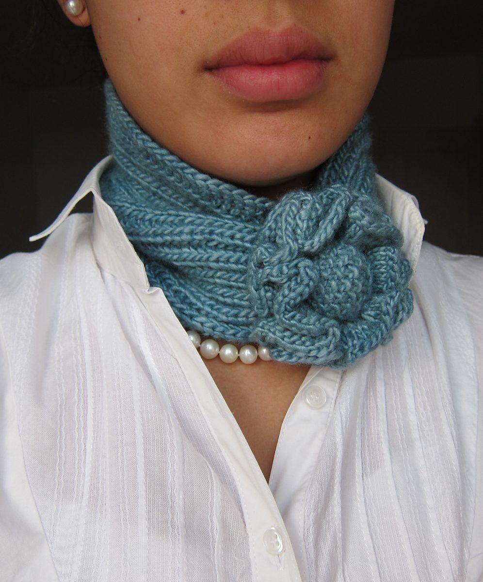 Self-Fastening Scarves and Shawls Knitting Patterns   Schals tücher ...