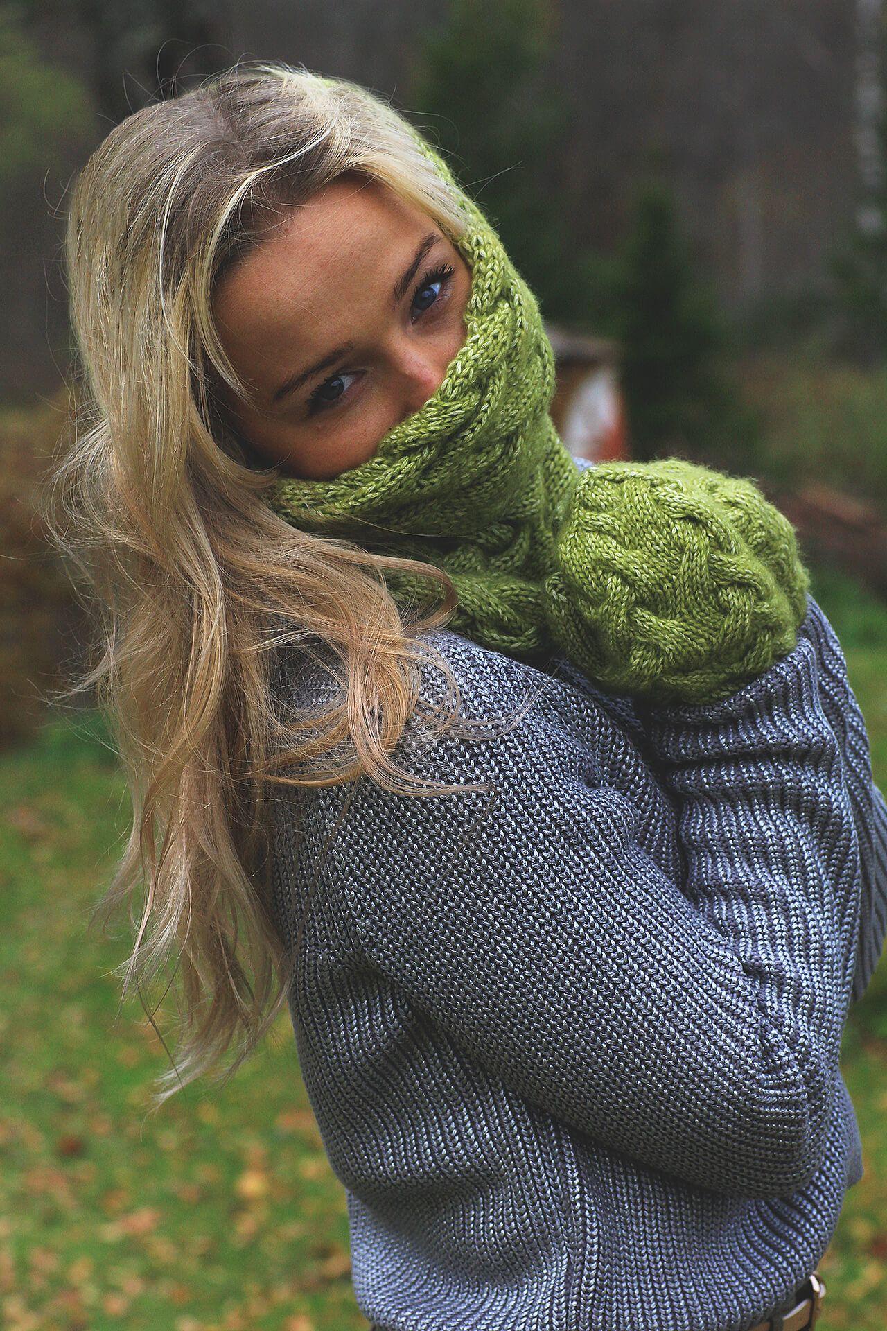 194cf3e5b27 ... handmade   merino  winter  green  hat  autumn  fall  blonde  girl   snood  tubescarf  scarf  infinityscarf  mittens  fashion  outfit  2016   2017  trendy ...