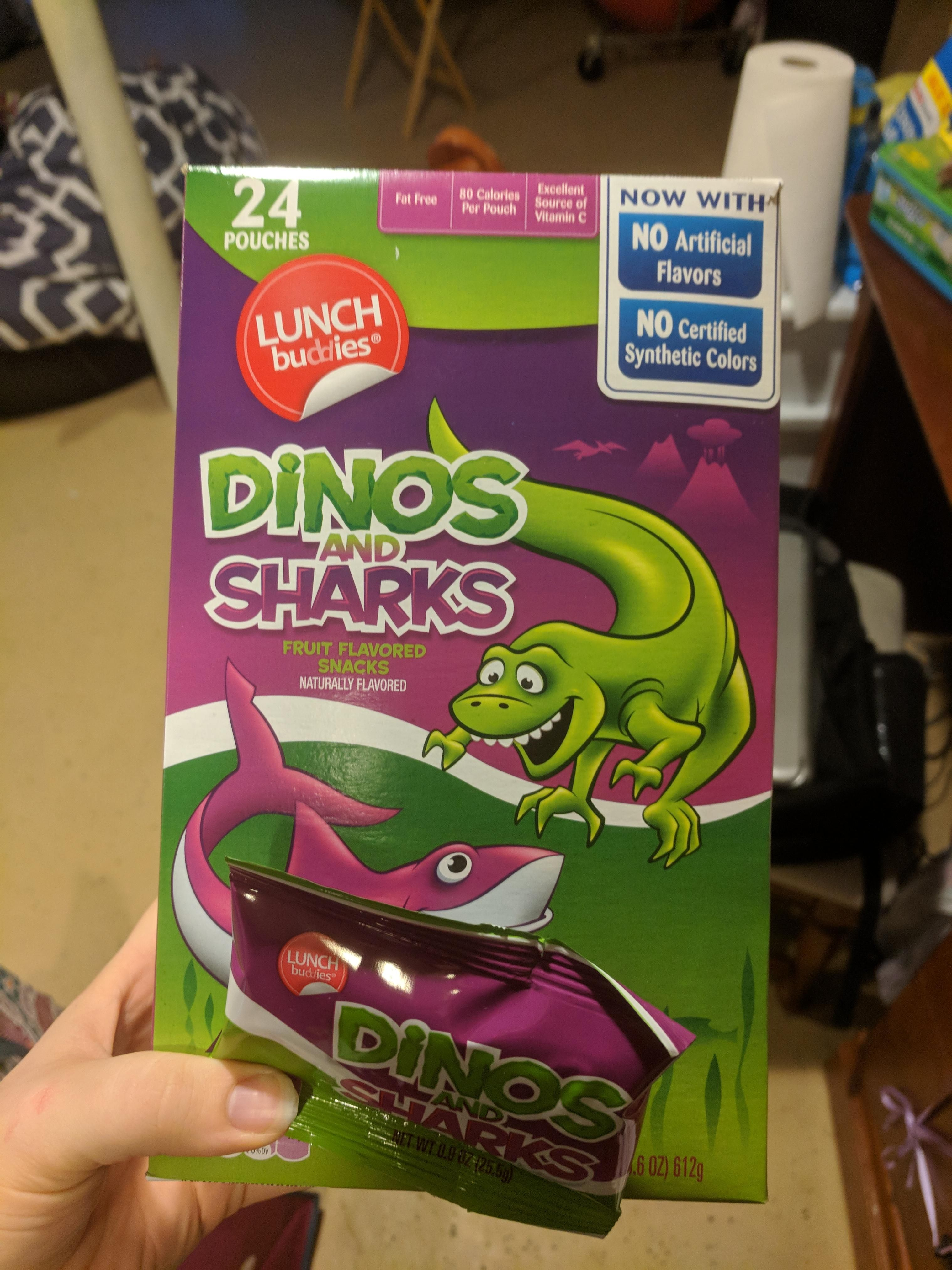 I found vegan fruit snacks at Aldi! And THEY'RE DINOSAURS AND SHARKS