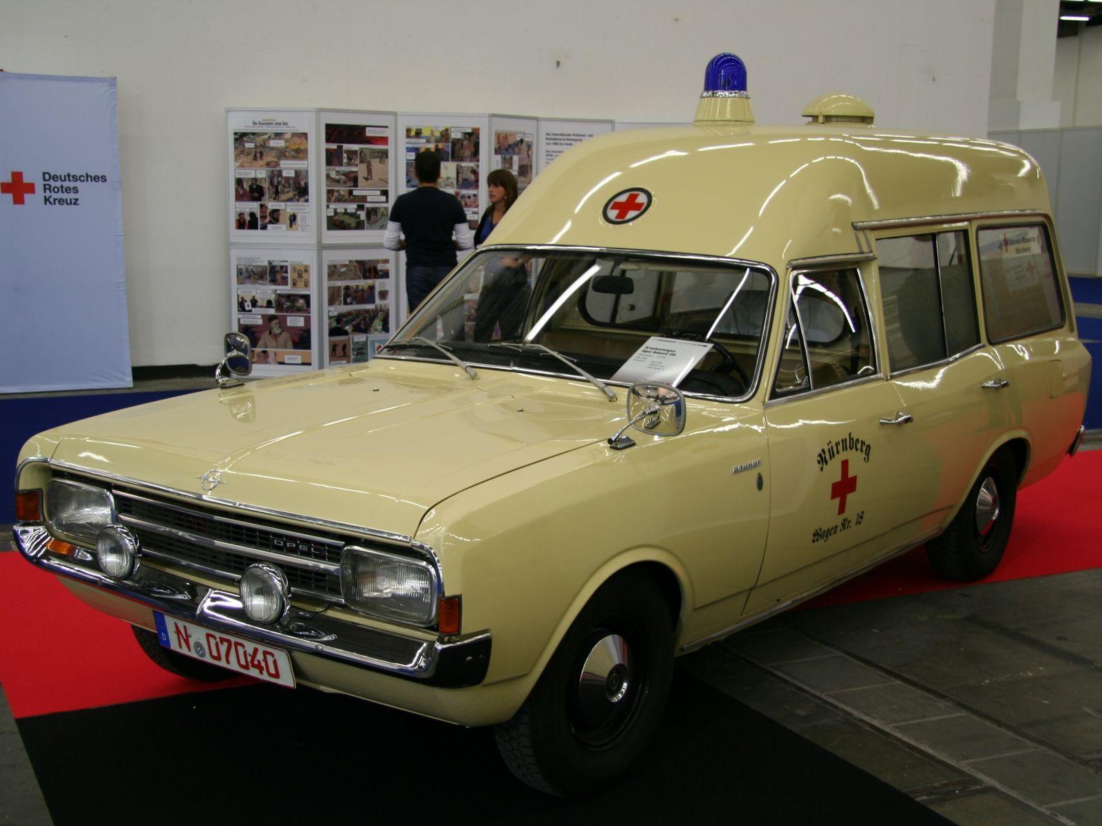 Opel Rekord C 19 S Krankenwagen des Deutschen Roten Kreuzes ...