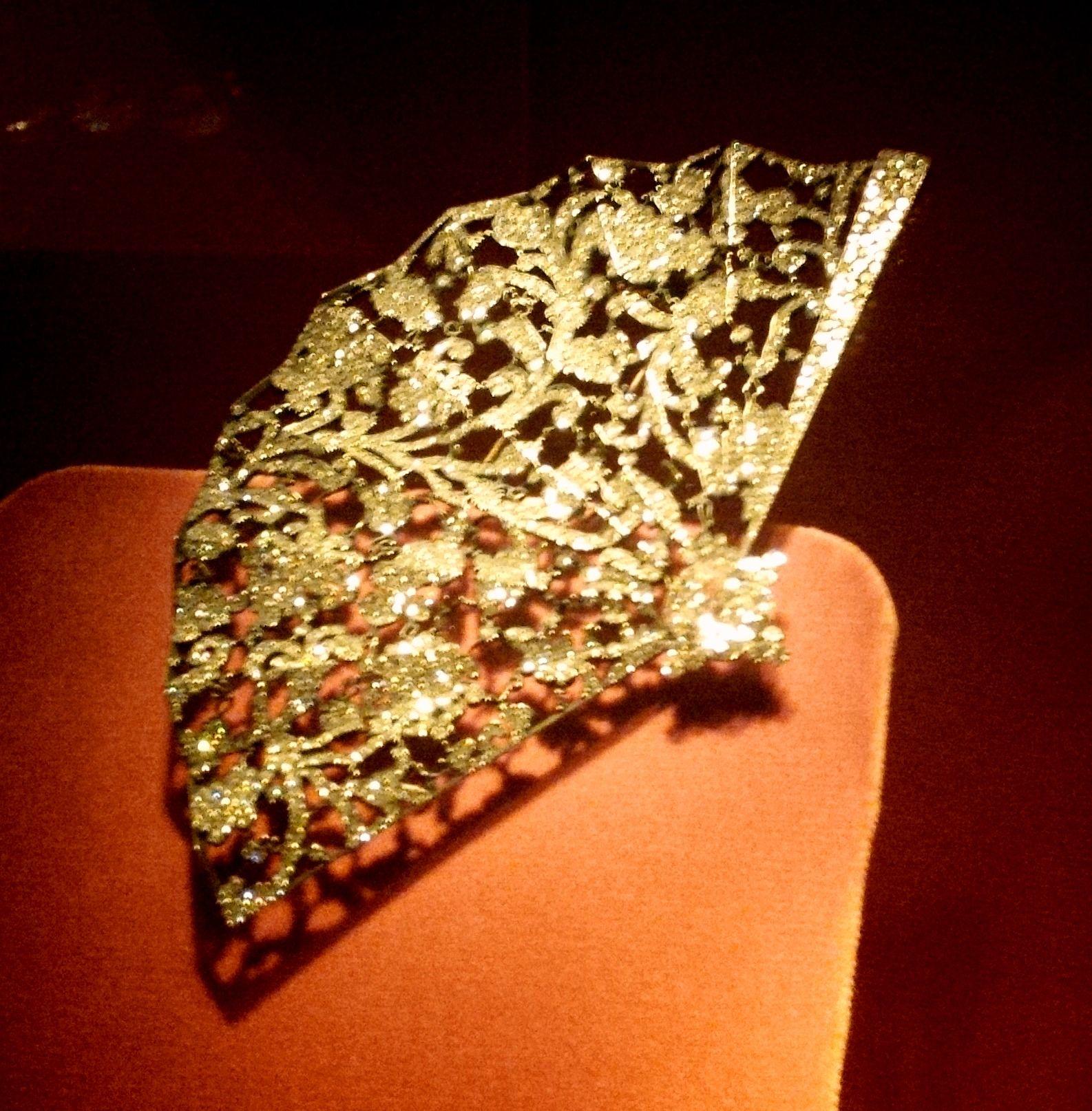 Fan Brooch Jar Jewelry Exhibition Julie Farin