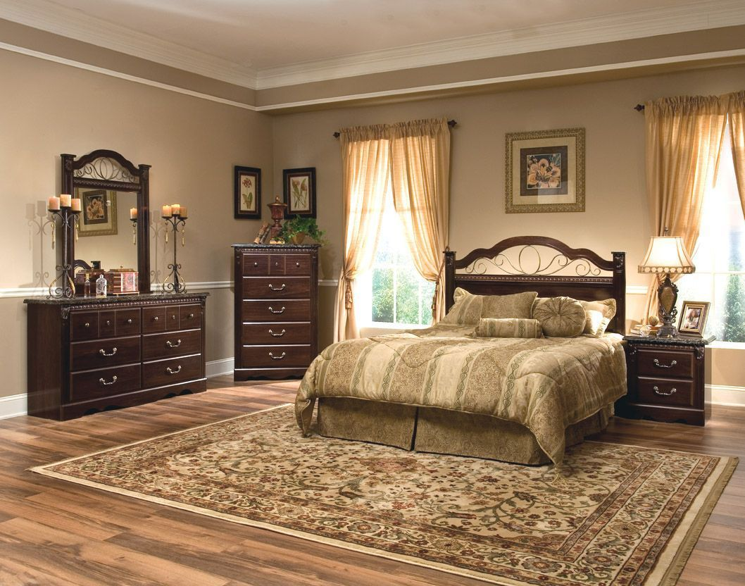 Sorrento Brown 5 Pc Bedroom Set W Queen Poster Bed Bedroom Set Bedroom Sets King Bedroom Sets