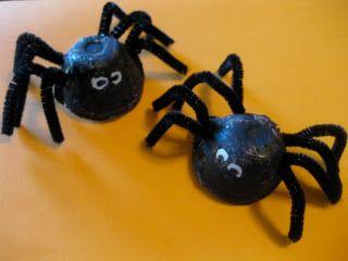 Halloween Spin Knutselen.Simple Spider Craft Eierdoos Spin Recycle Pijperagers