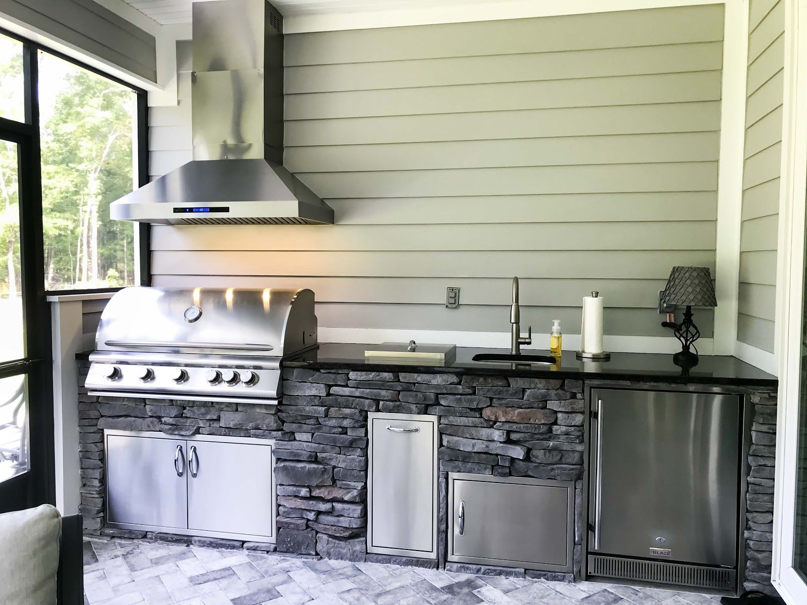 6 Outdoor Bbq Ideas To Upgrade Your Patio Outdoor Kitchen Bars Outdoor Bbq Outdoor Kitchen