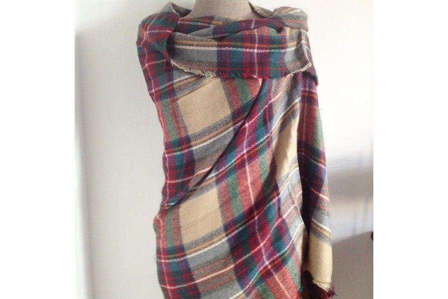 tartan mac douglas echarpe en laine clans cossais et charpes. Black Bedroom Furniture Sets. Home Design Ideas