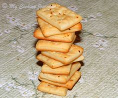 Homemade Saltine Crackers / Soda Crackers /Savory Herb Crackers