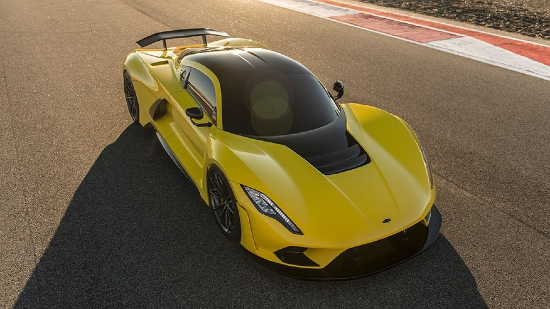 1 6 Million Hennessey Venom F5 Designed To Go 300 Mph Cool Sports Cars New Sports Cars Hennessey Venom Gt
