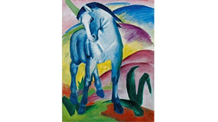 """Marc, Franz  """"Caballo azuI"""" que colocó el animal como símbolo de la unidad cósmica en el centro de su obra cristalina y luminosa. Sus caballos azules, que fueron objeto de condenación por Hitler, se han hecho famosos en todo el mundo."""