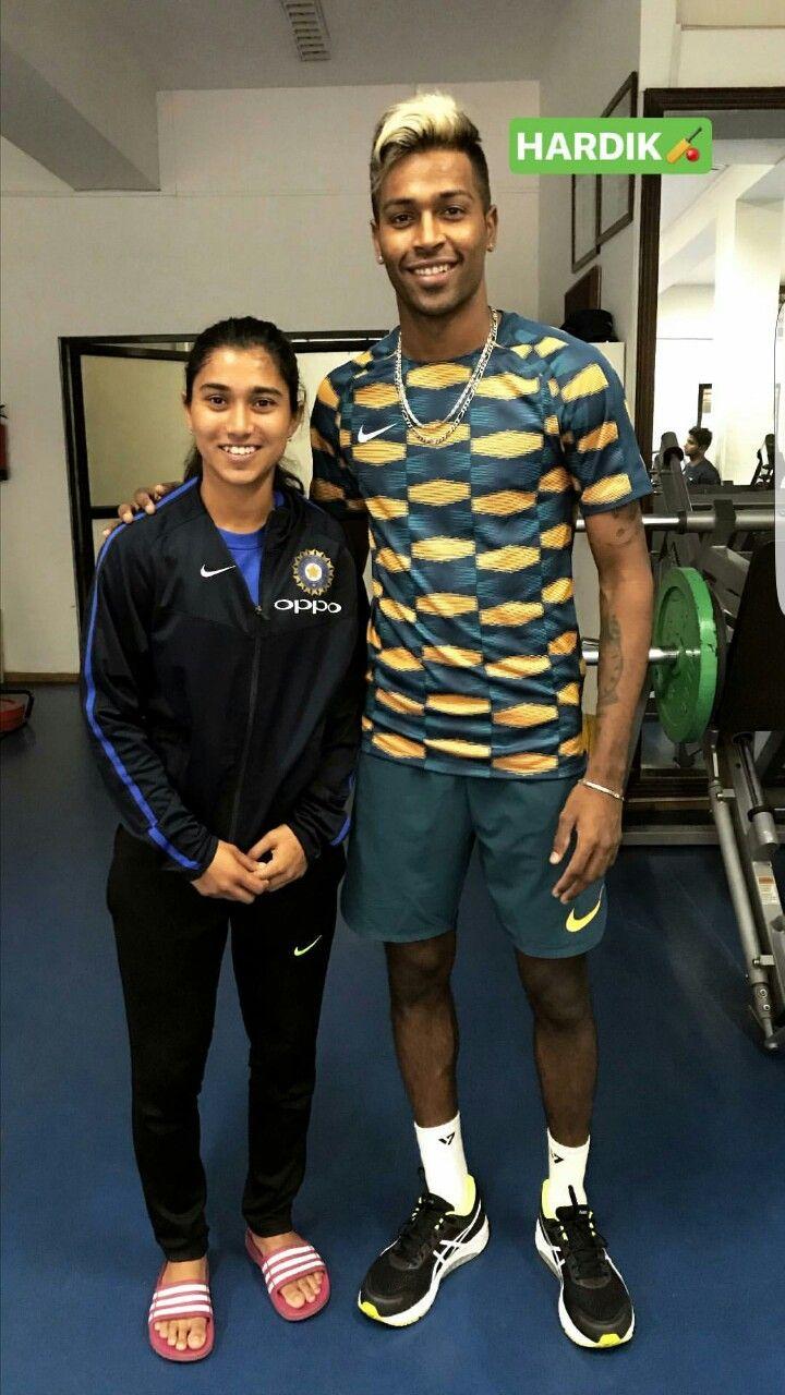 Hardik Pandya With Indian Women Cricketer Nuzhat Parween India Cricket Team Mumbai Indians Sports Women