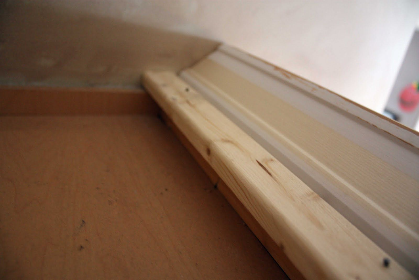 installing crown molding on kraftmaid kitchen cabinets installing kitchen cabinets