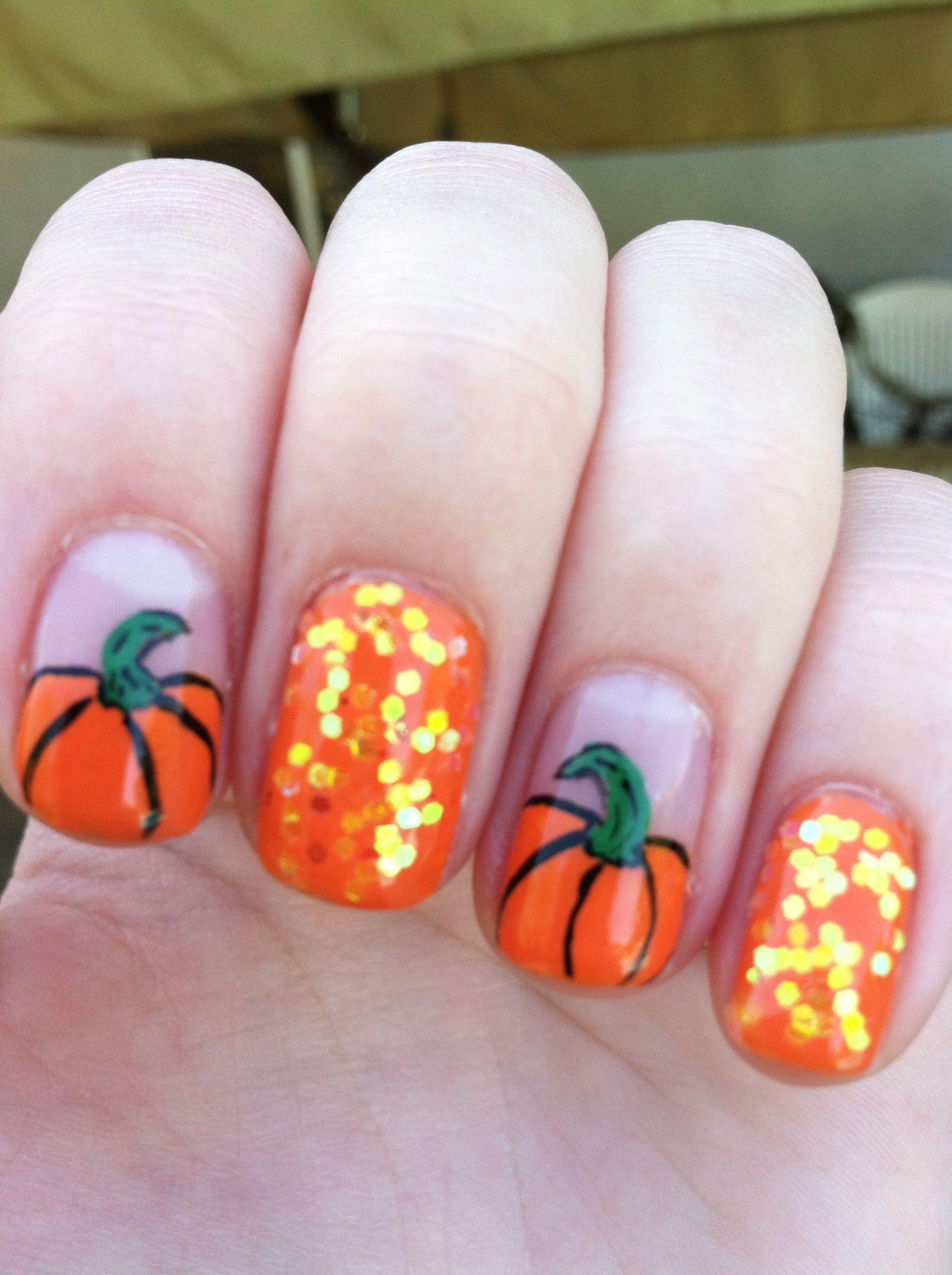 Fall pumpkin nail art | Pumpkin nail art, Thanksgiving ...