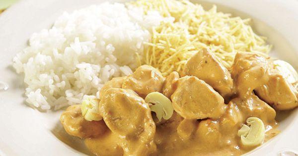 Aprenda a preparar a receita de Estrogonofe de frango com biomassa de banana verde
