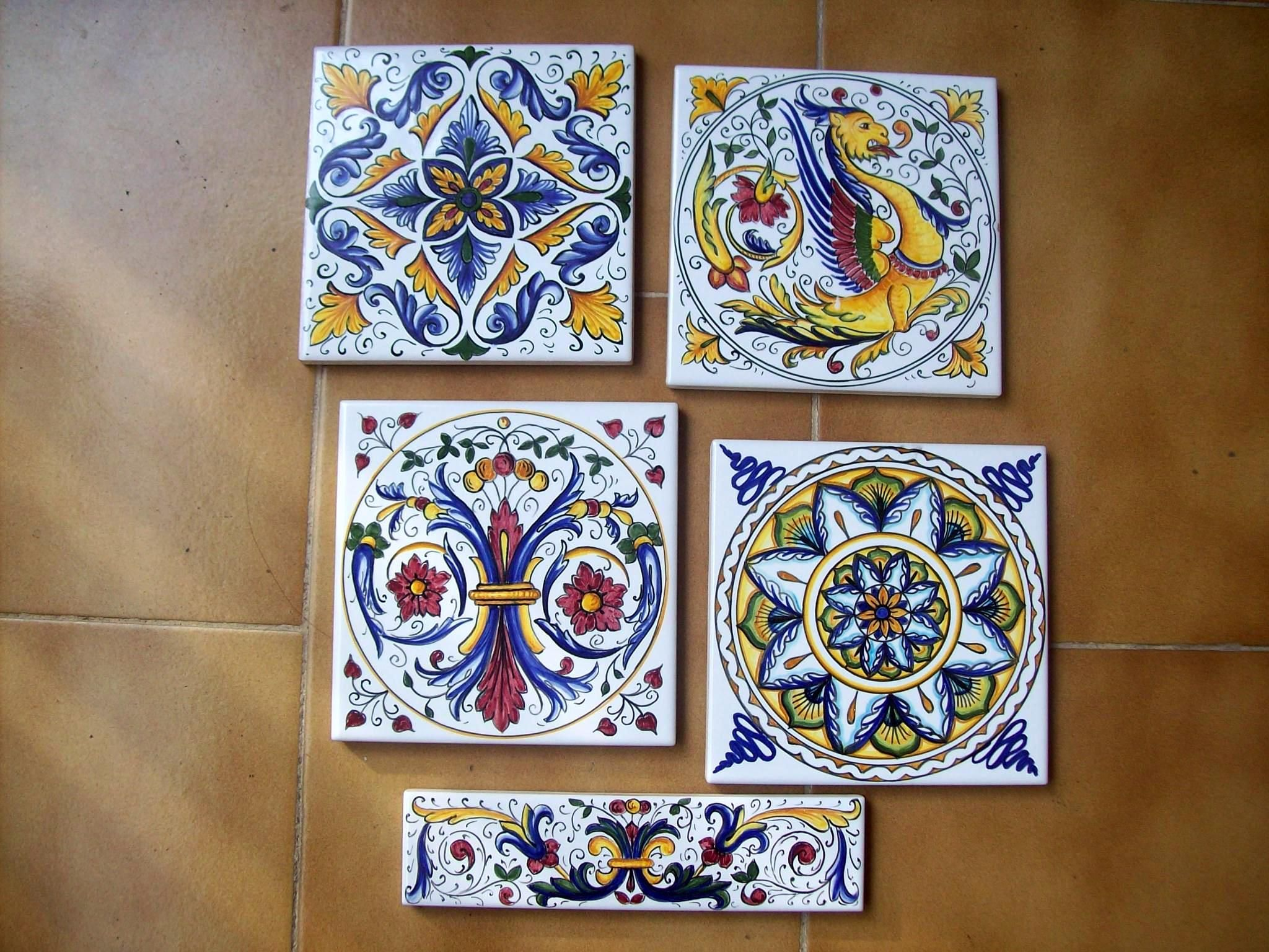 Piastrelle di ceramica decorate a mano - Piastrelle decorate a mano ...