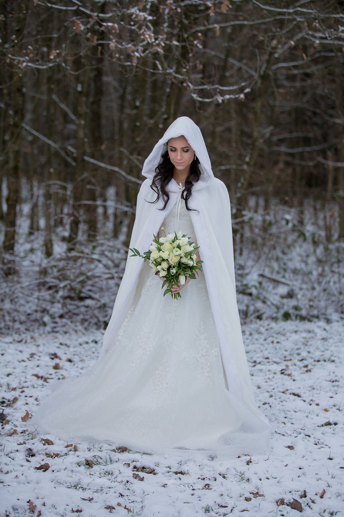 Natural Rustic Winter Wedding Inspiration From Germany Winter Wedding Dress Snow Wedding Winter Wedding Inspiration [ 1800 x 1200 Pixel ]