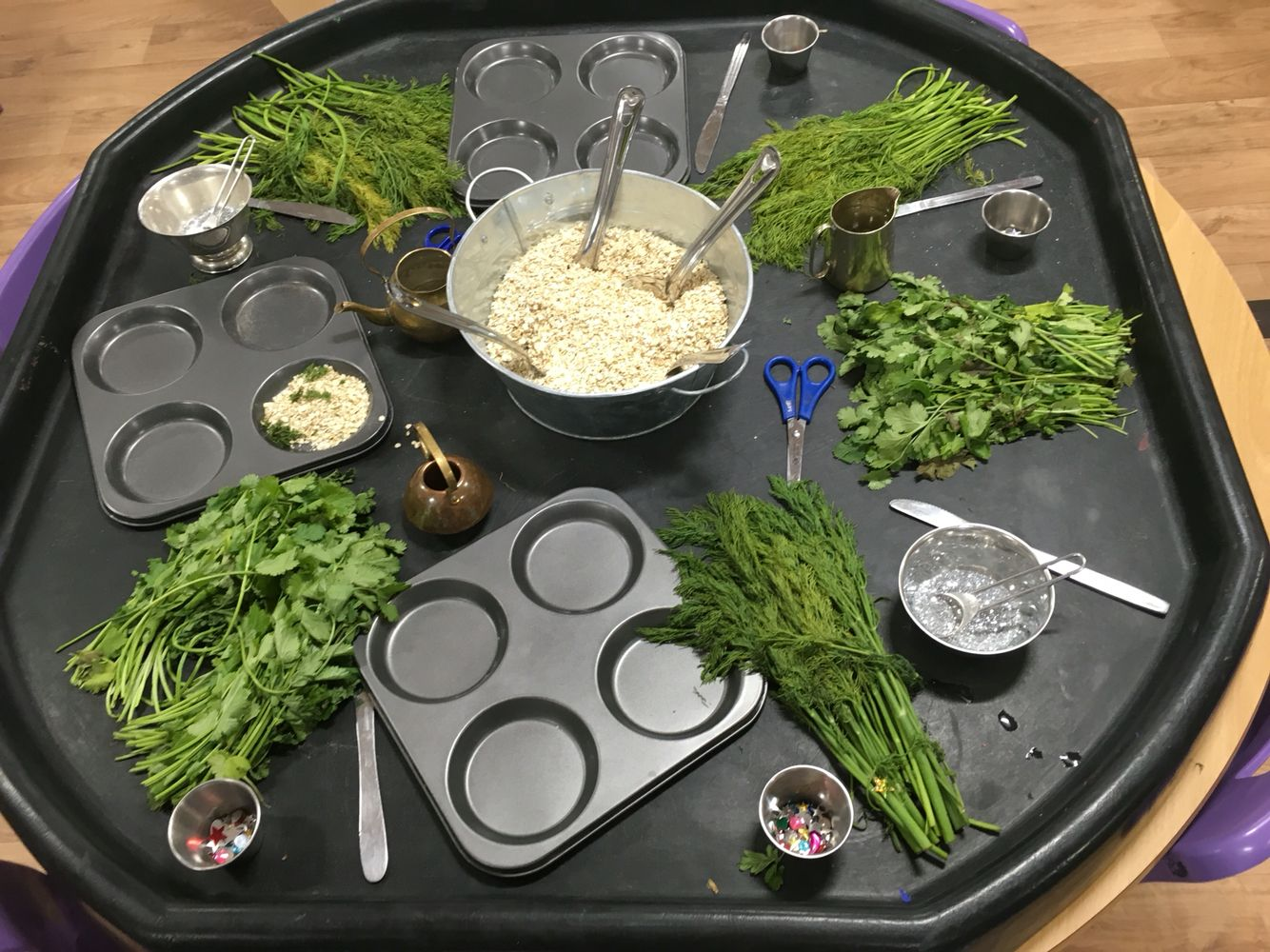 Builders tray messy play good maths opportunities and fine motor development. EYFS #curiosityapproacheyfs
