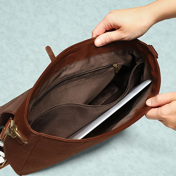Chewbacca Messenger Bag Protects Your Goods With Arm-Ripping ...