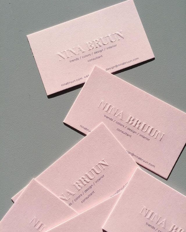 Hola amigos de lettering time los que llevis siguiendo el blog embossing on a musk pink business card for a business that would like to stick to one colour on their cards embossing is a great method for that reheart Gallery