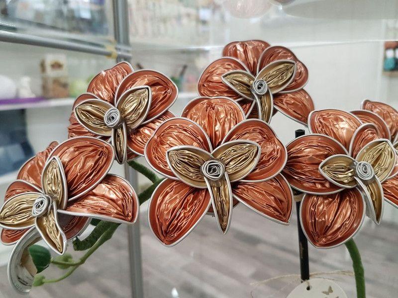 deko objekte orchidee nespresso kapseln upcycling 6 bl ten ein designerst ck von lunalux1002. Black Bedroom Furniture Sets. Home Design Ideas
