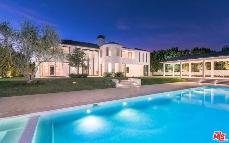 Billionaire Marina Acton Flipping Out Of Kim And Kanye S Old Bel Air Mansion For 18m Because It S Not Big Enough American Luxury Bel Air Mansion Bel Air House Celebrity Houses