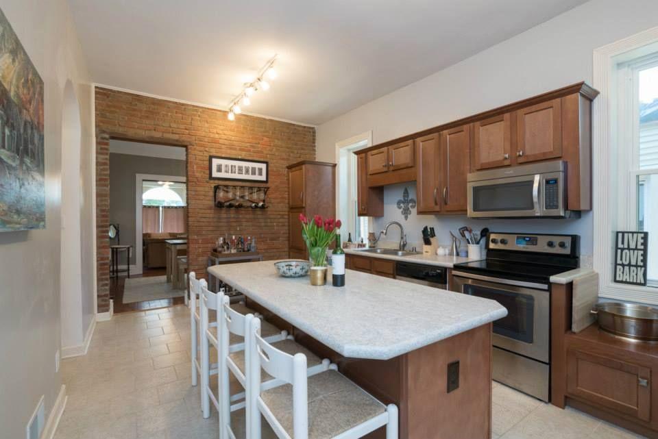 Best Kitchen Kompact S Glenwood Beech Cabinetry Flat Panel 400 x 300