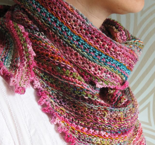Knitted Scarf Pattern With Pointed Ends : FREE PDF Download ~ Pattern: Odds and Ends Kerchief by Giddy Davies...