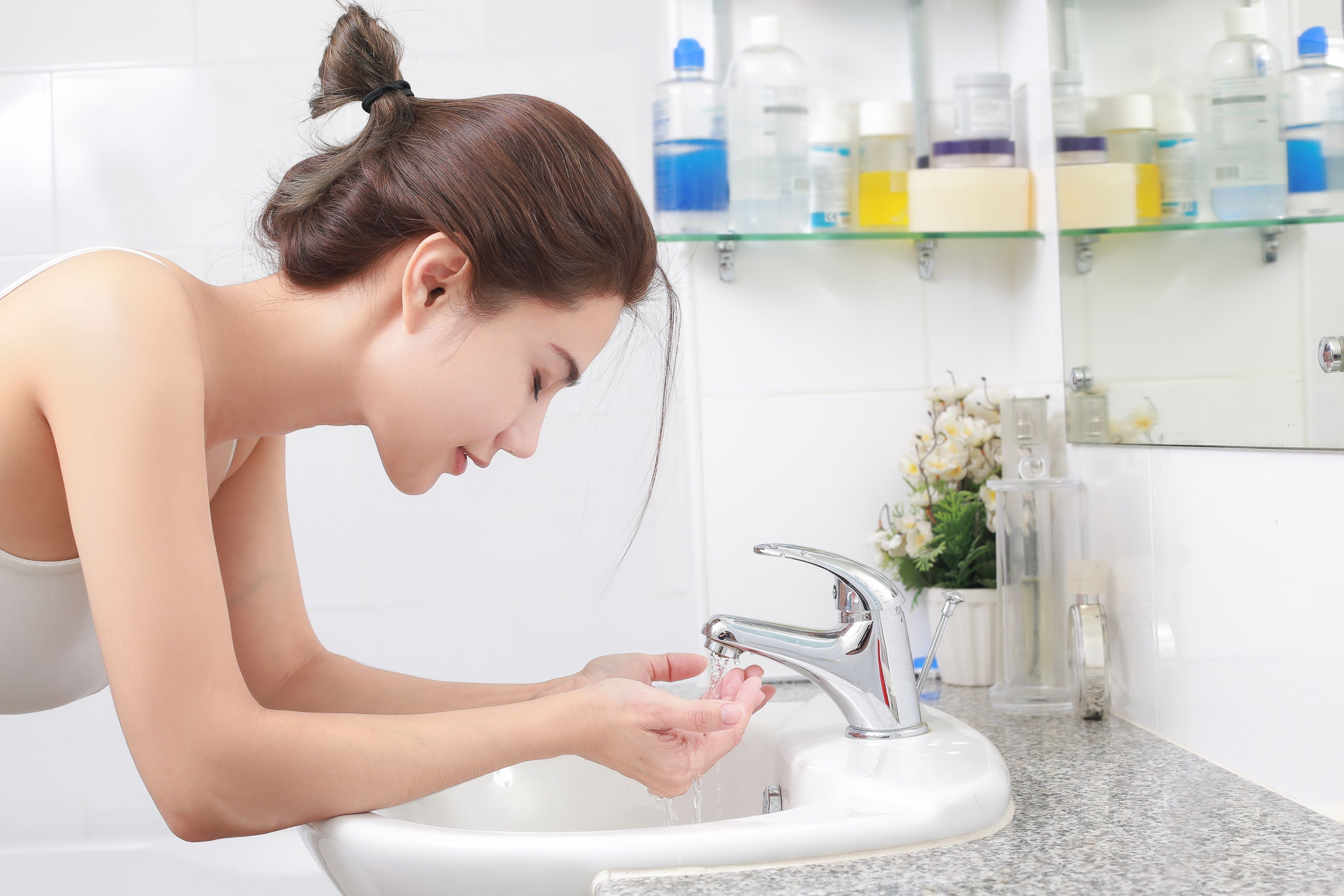 Wash Your Face In Cold Water Before You Go To Bed To Help