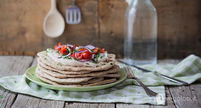 piadina humus di cannellini e pomodorini