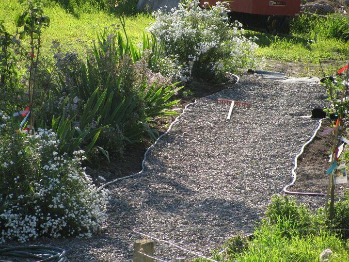 Photo of How to Make a Gravel Garden Path DIY