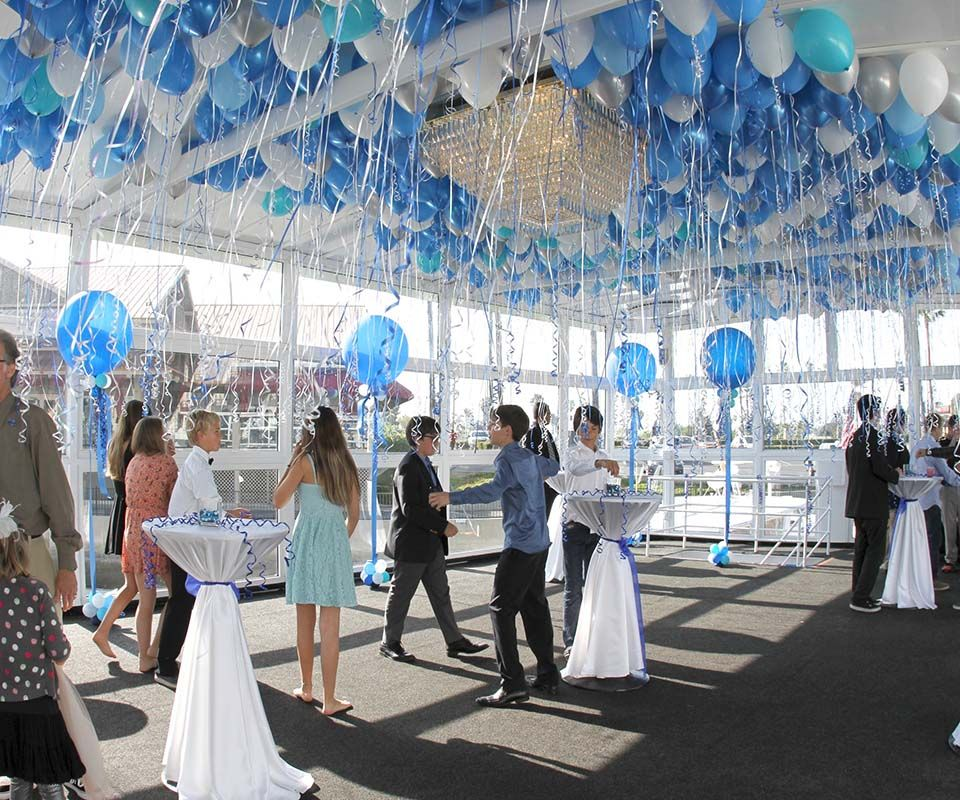 Fresh Air Sunshine And Waves Gently Lapping And Release A Bunch Of Balloons In The Sky Does Wedding Venue Los Angeles Yacht Club Wedding Budget Wedding Venue