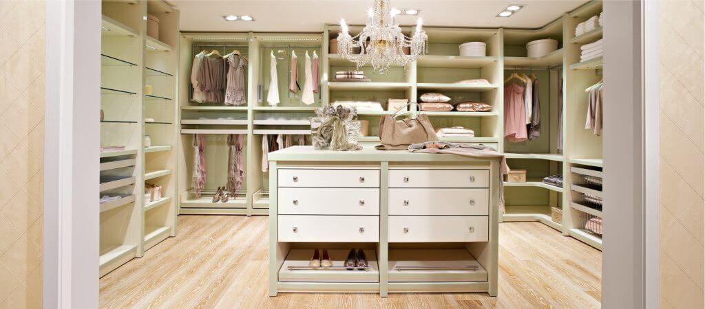 Begehbarer Kleiderschrank Planung Tipps Darauf Ist Zu Achten Begehbarer Kleiderschrank Begehbarer Schrank Und Schrank