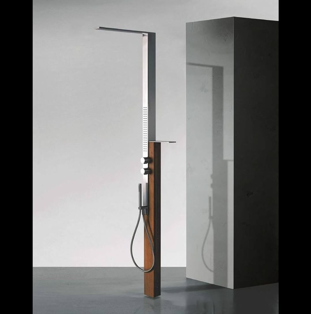 Collections 36  Between the multiple Fantini shower sets we do have one specifically designed for outdoor: MilanoSlim Outdoor, the brushed stainless steel shower column with Siam Teak lamellar wood support, which is resistant outdoors, even in marine envi