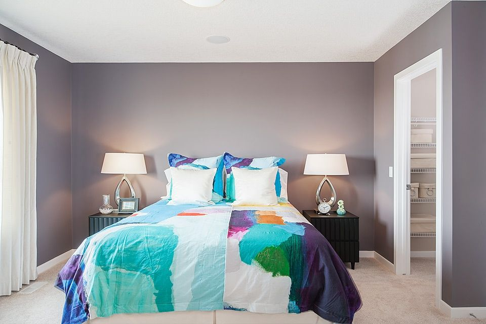 Best Vibrant Paint Colours Matching Bed Side Lights And Bright 640 x 480