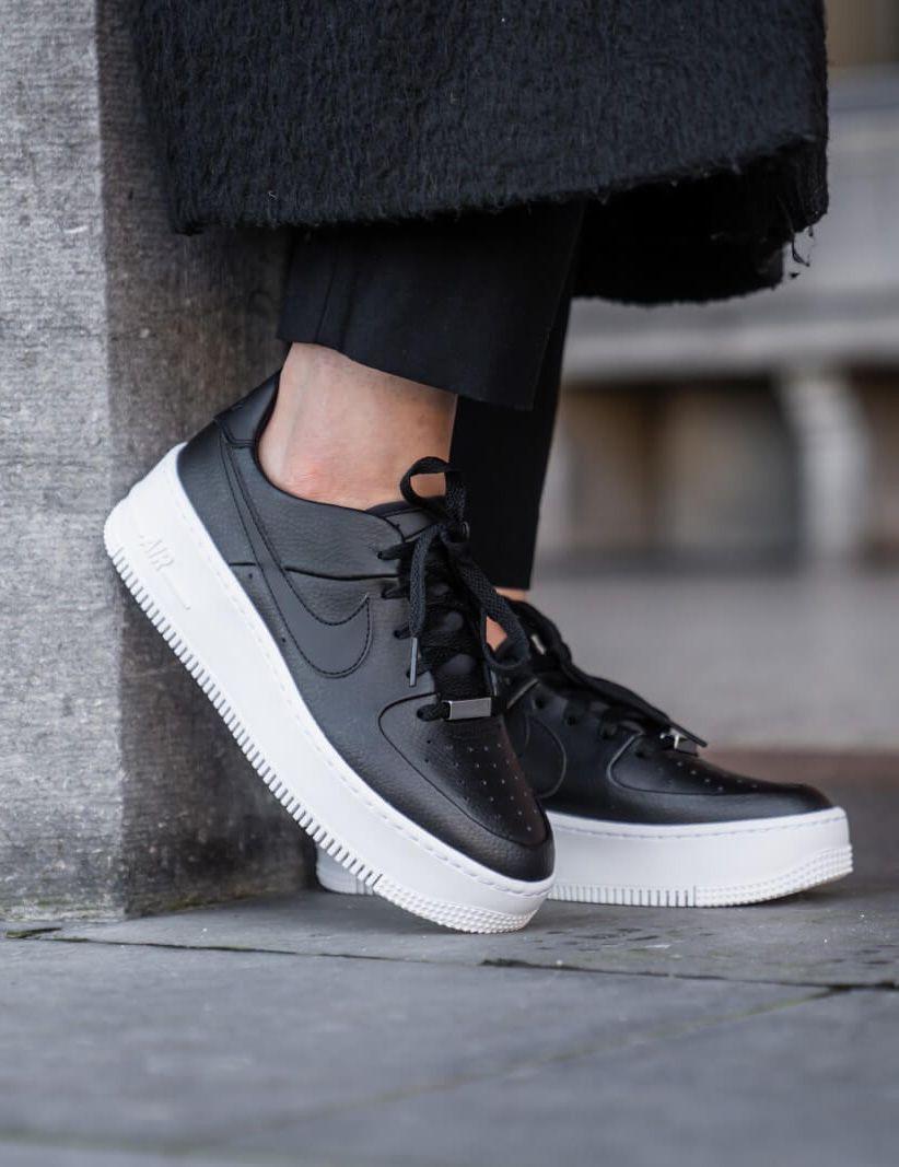 Nike Air Force 1 Black + Nike Air Force