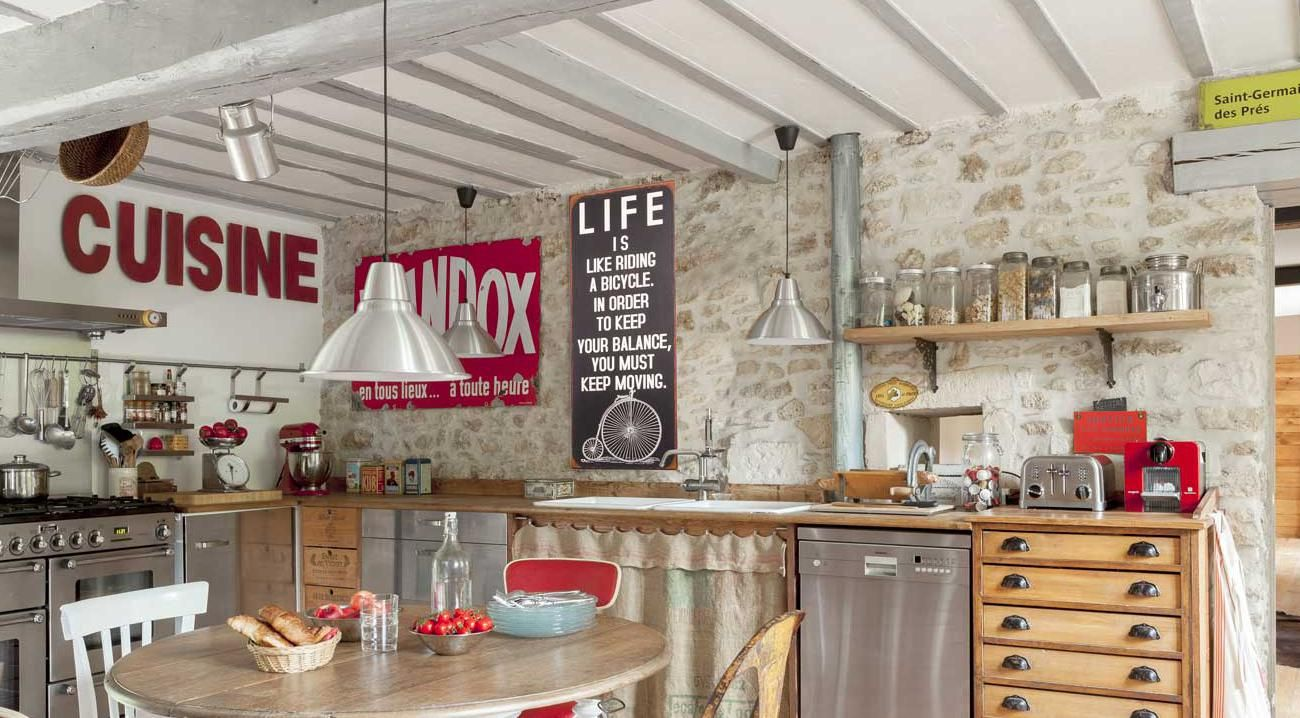 Suisse, un chalet blanc  Kitchen, Home decor, Furniture