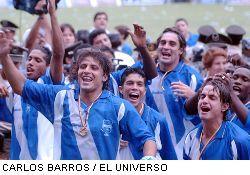 Emelec disfruta título y clubes hacen fichajes - DIC. 24, 2002 ...