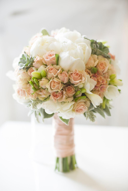 Wedding bouquet rose peony flowers  Bouquet by Pollak cvijeće -Photo by Martina Hohnjec photography - Vjenčani buket ruže božuri