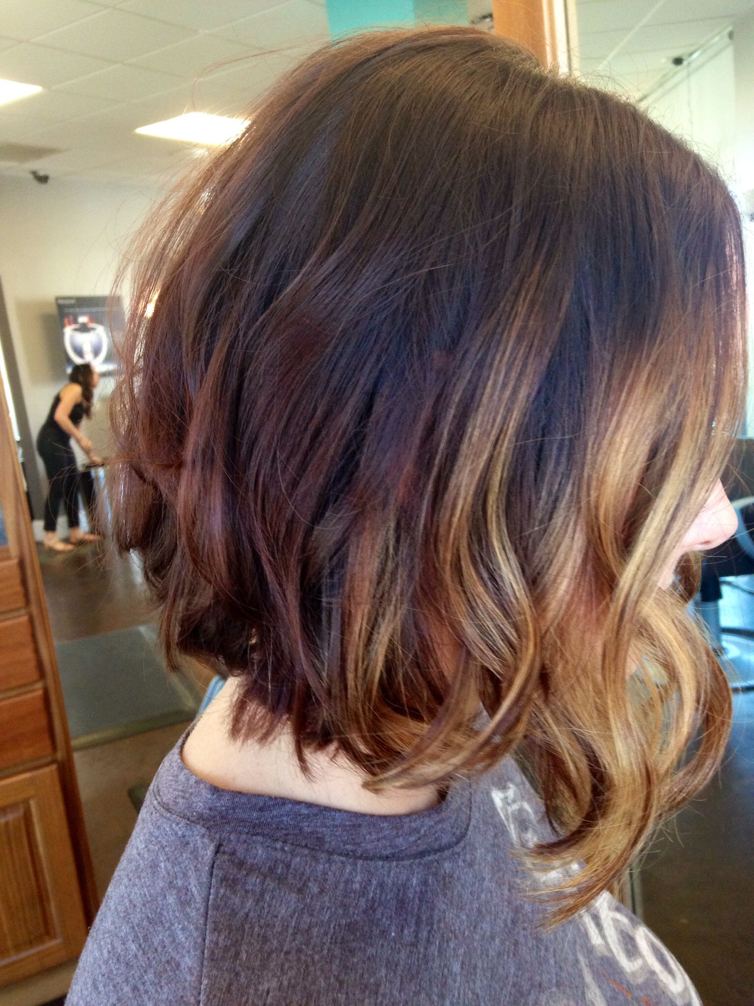 caramel balayage highlights hair skin and makeup pinterest caramel balayage highlights. Black Bedroom Furniture Sets. Home Design Ideas