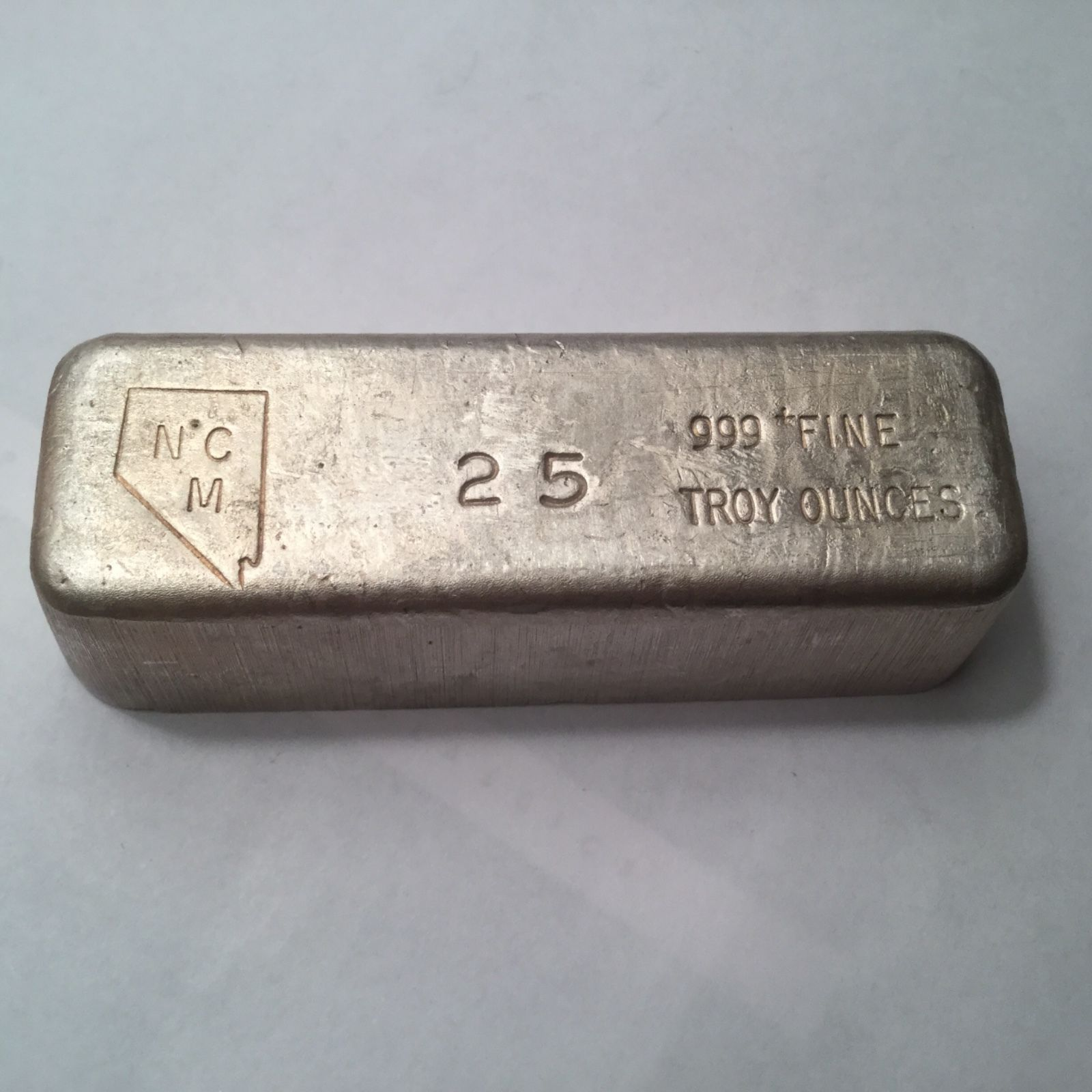 Rare Nevada Coin Mart Ncm 25 Oz 999 Fine Silver Poured Bar Scarce Weight Fine Silver Silver Silver Bars