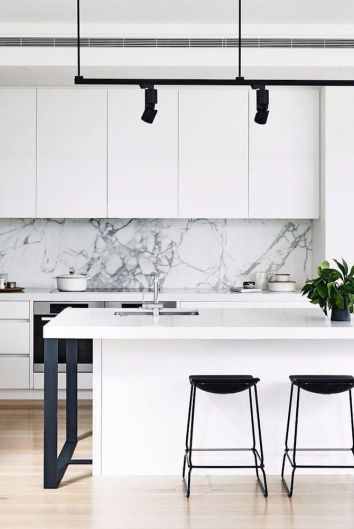 5 White Marble and Wood Kitchens We Love #whitemarbleflooring