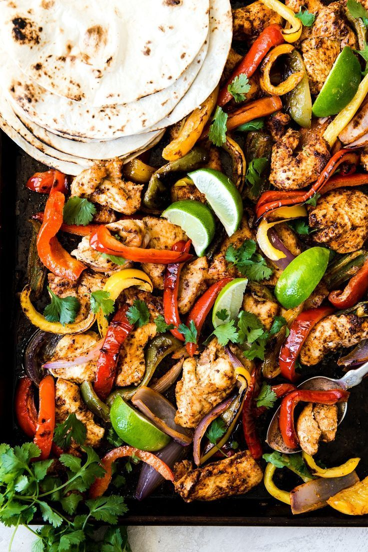 Sheet Pan Chicken Fajitas #onepandinnerschicken