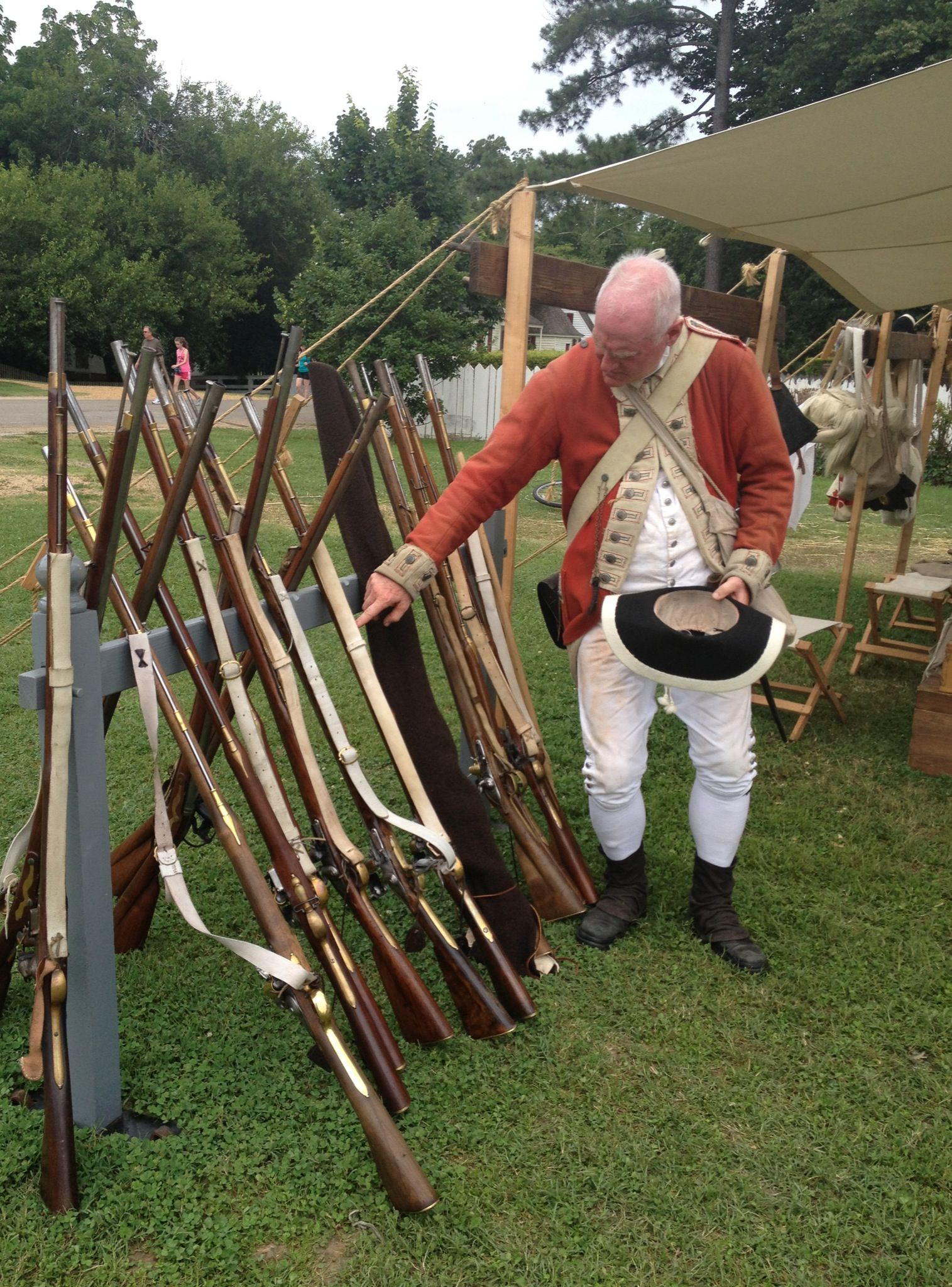 Long guns and colonial soldier | Williamsburg, Yorktown, Jamestown ...