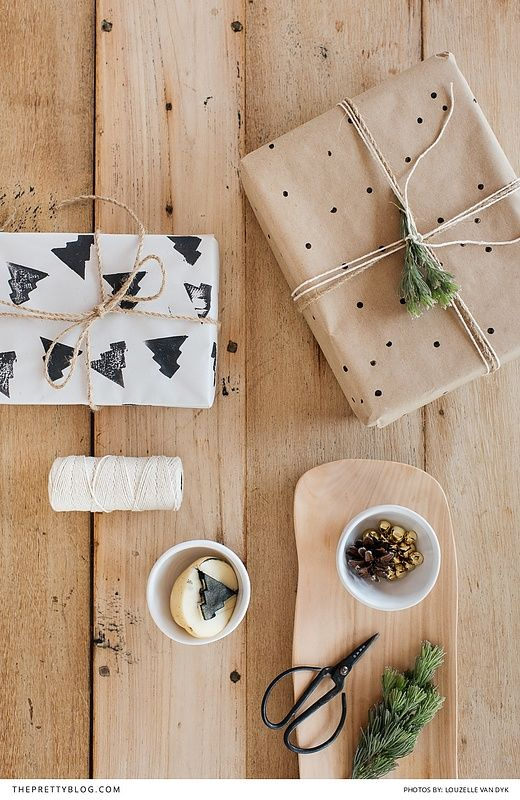 Add a personal touch with this easy DIY wrapping paper perfect for Christmas and Thanksgiving | Design by I am Lezanne | Photography by Louzelle van Dyk |