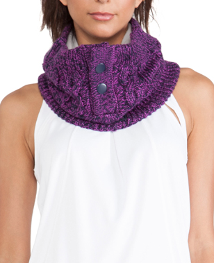purple neck warmer  http://rstyle.me/n/tkeg6pdpe