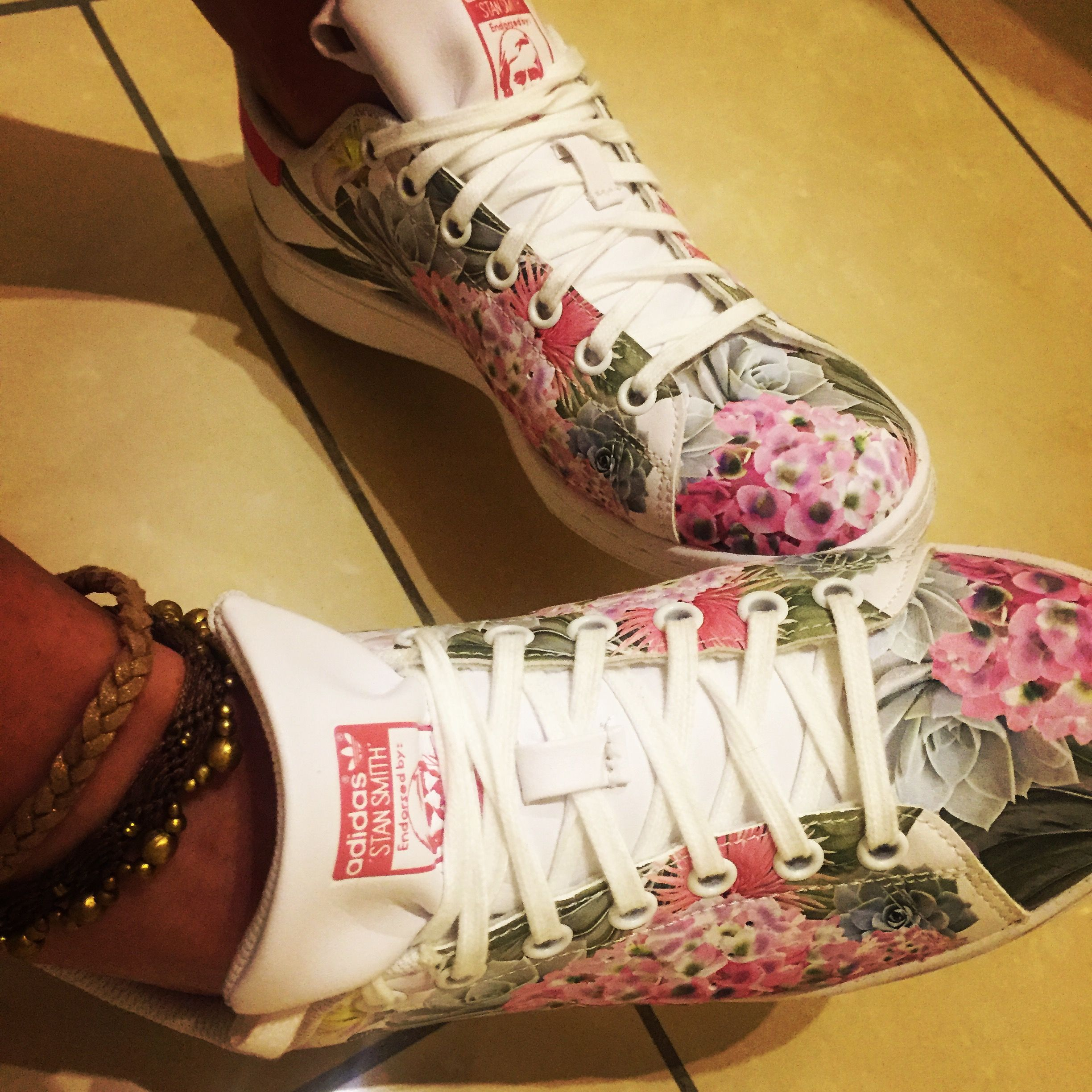 b05eac40353e #stansmith Adidas style femme, Stan Smith fleurs, Stan Smith blanches, Stan  Smith #originales
