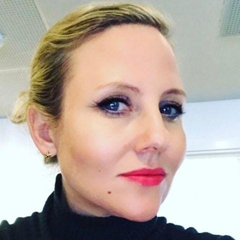 """Christiane Vejlø (@elektronista) på Instagram: """"Det kan godt være vi griner af de fjollede Snapchat kaninfiltre. Men der er interessante…"""""""